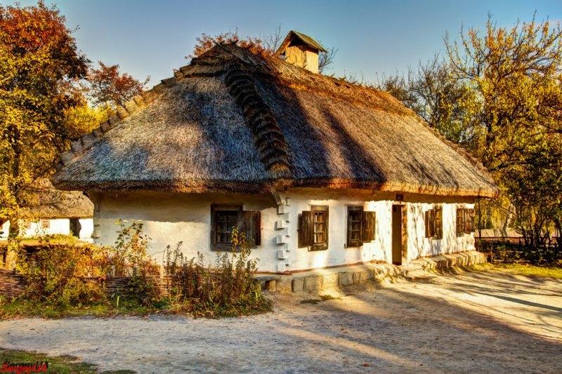 Садиба із села с. Яснозір'я у скансені Пирогово (фото: Sergey UA)