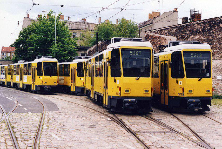трамвай трамваї