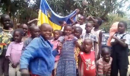 діти з кенії вітають україну