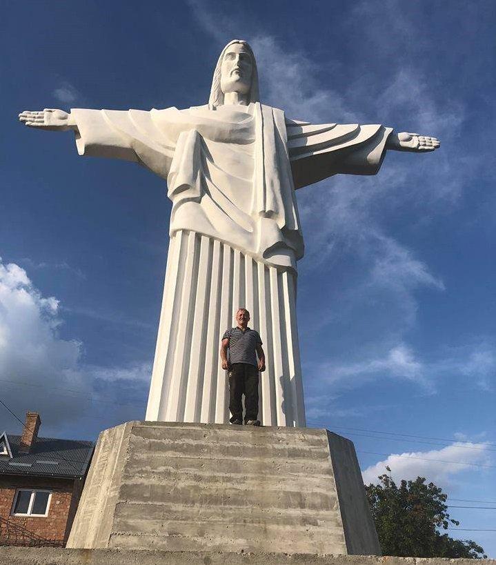 На Львівщині встановили копію бразильського пам'ятника Христа-Спасителя