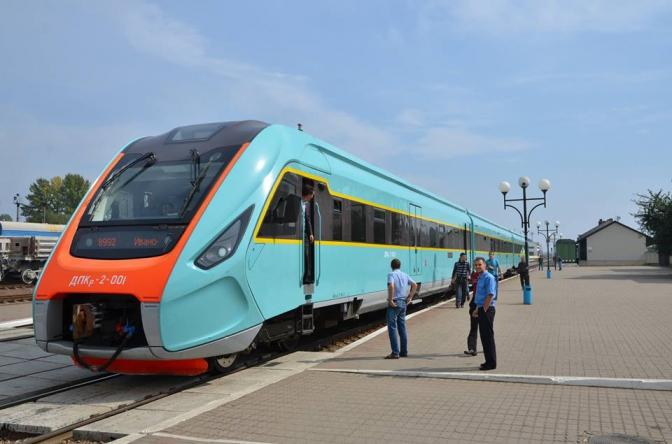 потяг поїзд укрзалізниця ДПКр-3