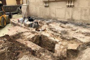 Біля Собору св. Юра у Львові знайшли фундаменти храму XIV-XV ст (фото)