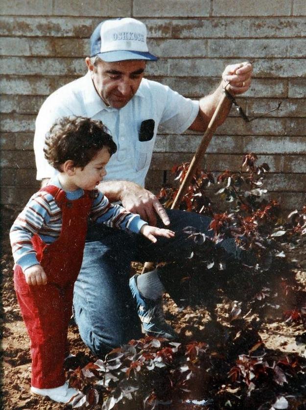 Джастін Халперн в дитинстві і його батько Сем Халперн