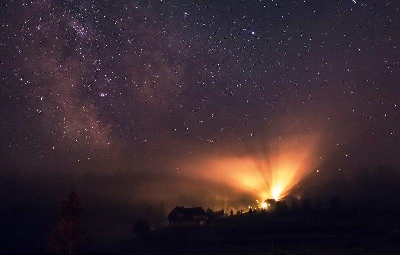 Літня ніч у горах карпати