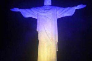 Статую Христа Спасителя у Ріо-Де-Жанейро підсвітили кольорами українського прапора