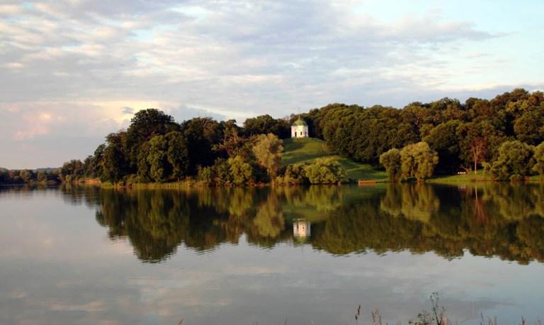 Качанівський палацово-парковий комплекс
