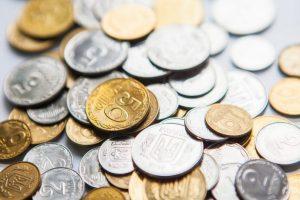 Від сьогодні 5 копійок – не гроші. Де можна обміняти монети?