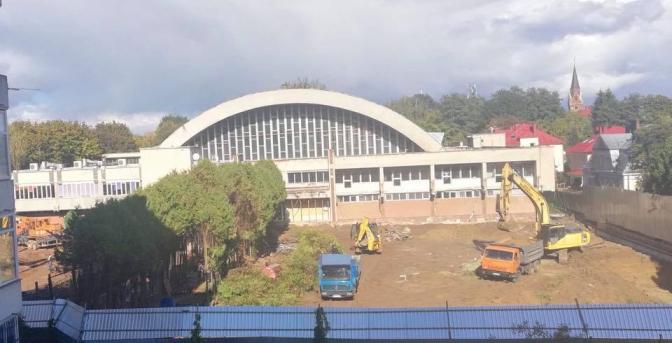 Через реконструкцію Палацу спорту у Львові зрізали майже 300 дерев
