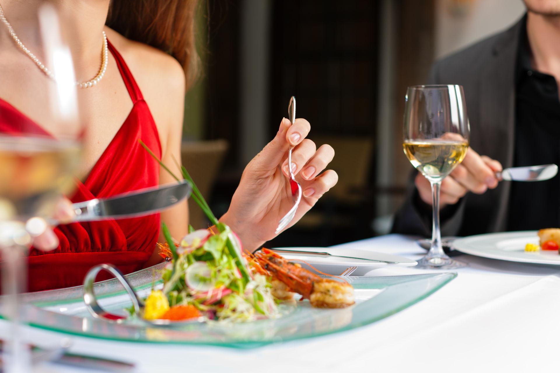 етикет культура виховання обід вечеря ресторан
