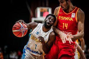 Збірна України з баскетболу ефектно розбила Іспанію, зібравши повний Палац спорту