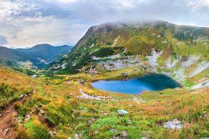 Українські озера, які має побачити кожен: топ-10 водоймищ, в яких варто скупатися