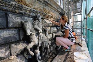 У Львові реставрують унікальну «Чорну кам'яницю», яка насправді виявилась не чорною