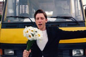 Італійський співак «закохався» у львівські маршрутки і зняв музичне відео про них