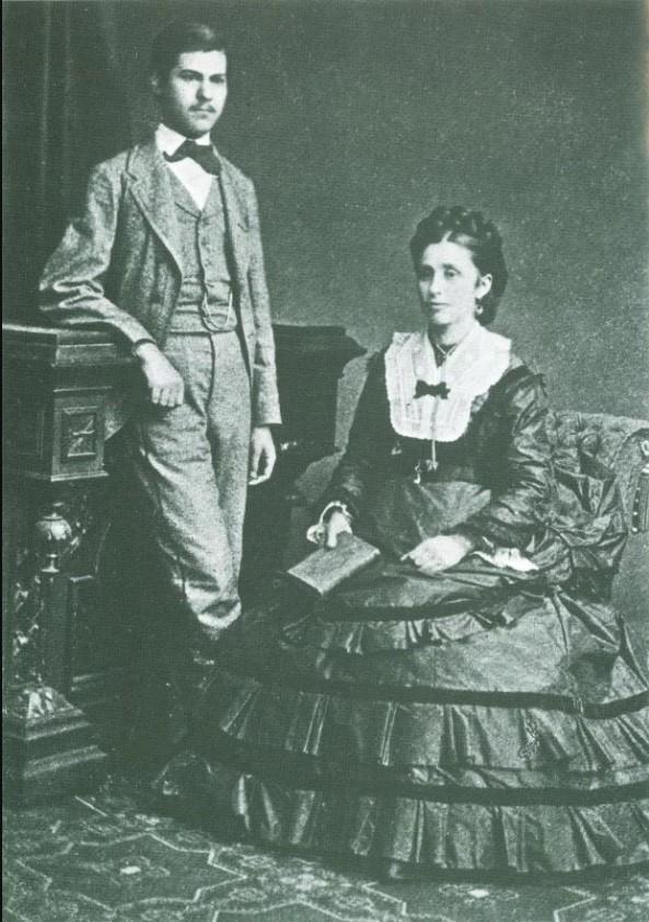 16-літній Зигмунд з матір'ю Амалією, що народилась у Бродах, а виросла в Одесі. Фото з відкритих джерел