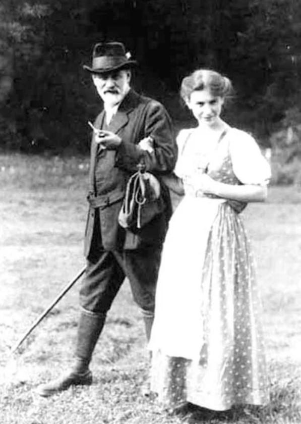 Зигмунд Фрейд з дочкою Анною, яка продовжила розвивати теорії батька. Фото з вдкритих джерел