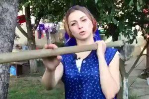 Кумедна інструкція від закарпатки Крістіни Третяк: Як копати крумплі (відео)