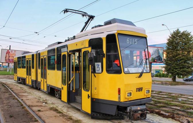 У Львові почав курсувати перший вживаний трамвай із Берліна (Фото, відео)