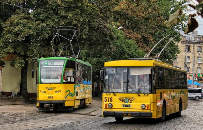 трамвай тролейбус громадський транспорт львів