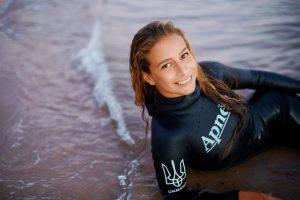 Українка пірнула на неймовірну глибину та побила світовий рекорд