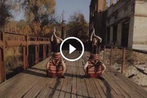 """Вінницькі степістки виконали запальний танець під пісню """"Шо з-під дуба"""" українського етно-гурту ДахаБраха"""