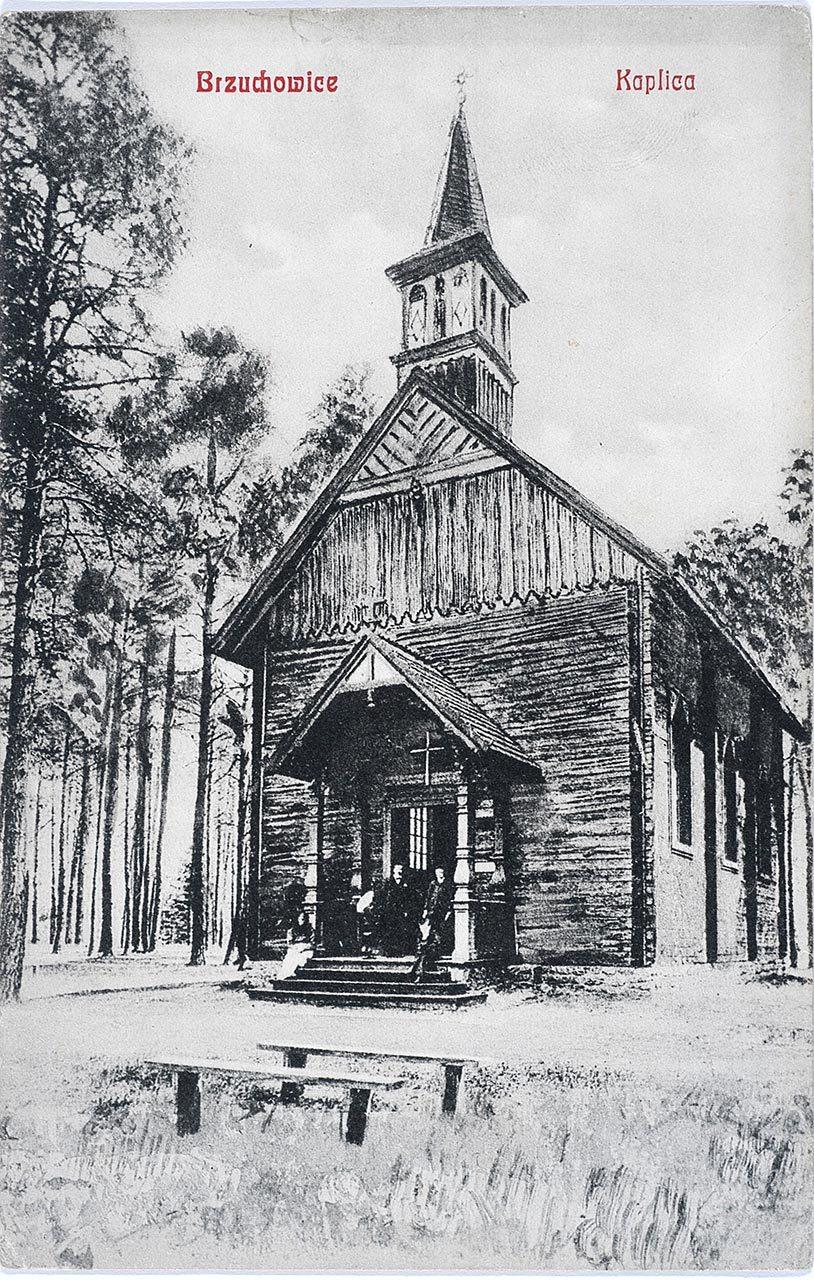 Каплиця в Брюховичах зведена в 1899 році. Фото 1905-1914 рр.