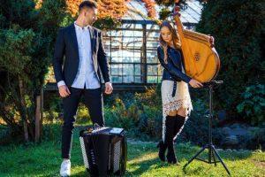 Пісню «Вона» львівського гурту Плач Єремії переграли на бандурі та акордеоні