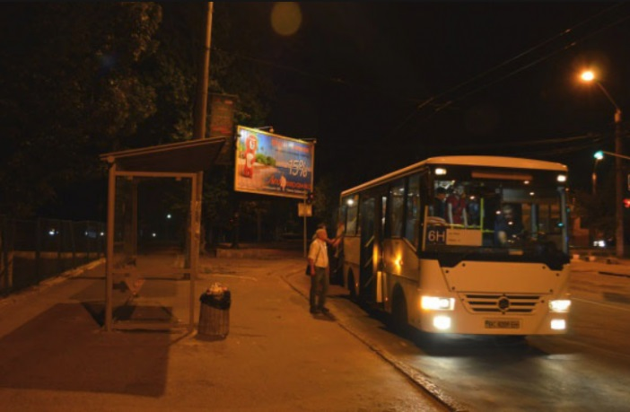 нічний автобус