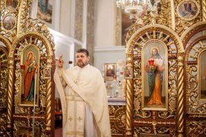 Львів'ян просять допомогти зібрати кошти на лікування священика
