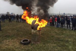 """Євробляхи"" продовжують блокувати рух через кордон Україна-Польща"