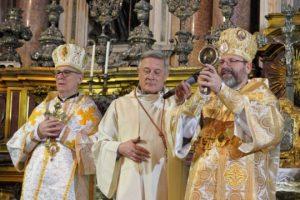 В Італії під час богослужіння сталося диво. Науковці не можуть пояснити того, що відбулось (фото, відео)