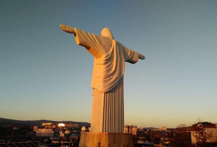 У Трускавці встановили найвищу в Україні статую Ісуса Христа