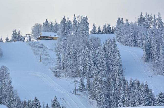 Гірськолижний курорт «Плай» розташований біля села Плав'є на півдні Львівської області.