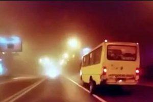 У львівської маршрутки під час руху відпали задні колеса. Відео інциденту