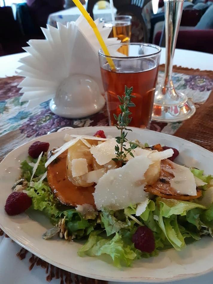 """У ресторані """"Дуже висока кухня"""" ніколи не відмовляться приготувати те, що вам хочеться саме сьогодні. Фото Юлія Лосева."""