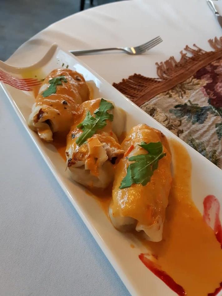 """Кухарі ресторану """"Дуже висока кухня"""" допоможуть втілити у життя найшаленішу гастрономічну фантазію. Фото Юлія Лосева."""