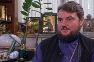 Митрополит Драбинко у храмі УПЦ МП оголосив про перехід до помісної церкви: віряни аплодували