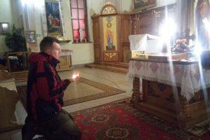 «Львів. Після літургії всі розійшлися, а цей хлопець попросив мене дати йому свічку… Довго молився, а тоді сказав…»