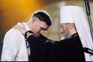 Олександр Усик отримав церковну нагороду з рук очільника УПЦ МП Онуфрія