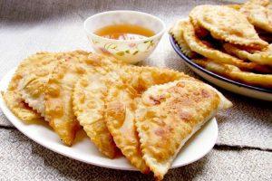 Смачніші Чебуреки я ще не їла! А рецепт мені дала одна татарка, яка переїхала до нашого села