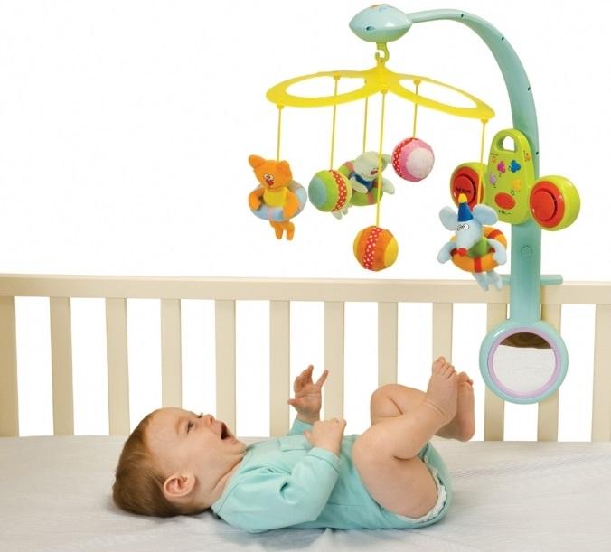 Іграшки над дитячим ліжечком: руйнуємо міфи