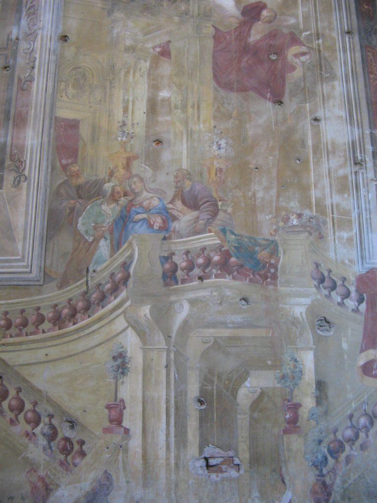 Фото: Вікіпедія, Залишки фресок в костелі