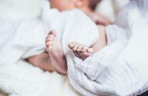 малюк немовля дитина нарождення