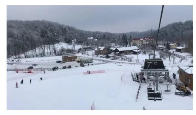Гірськолижна траса на базі «Чарівні озера» у селі Майдан (фото з сайту «Чарівні озера»)