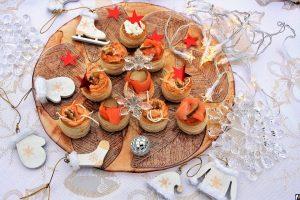 Легкі закуски на святковий стіл – рецепти смачних страв на швидку руку