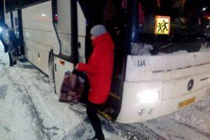 Три години на морозі: вчителі однієї з шкіл Львова на кордоні висадили дитину з автобуса, – мати школяра