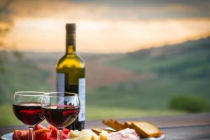 5 простих способів відрізнити справжнє вино від підробки