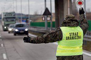 В Польщі відновили внутрішній прикордонний контроль. Черги на кордонах збільшаться