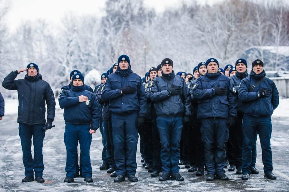 «Я — Бандера»: поліцейські запустили флешмоб через вигук силовика «Лягай, Бандеро» (відео)