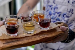 16 закладів, де пити наливки та настоянки у Львові