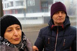 У Львові в трамваї люди затримали жінку і чоловіка, які намагалися вкрасти телефон (фото)